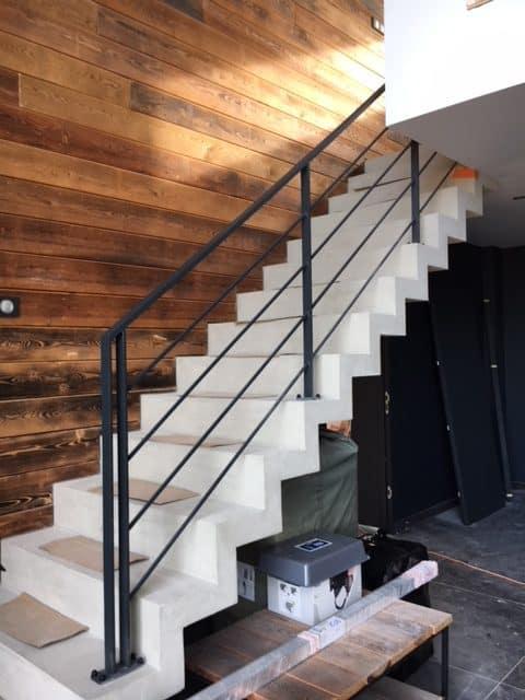 garde-corps escalier beton rampe